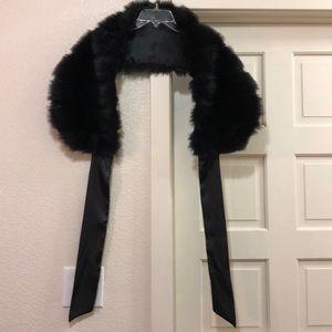 Accessories - Faux Fur Stole